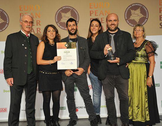 I ragazzi della giovane Fabbrica della Birra Perugia