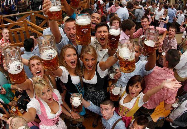 munich-beer-festval-octoberfest-1