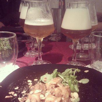 Uno degli accostamenti di ieri: pollo alle mandorle con Chimay Dorée e Nora di Baladin